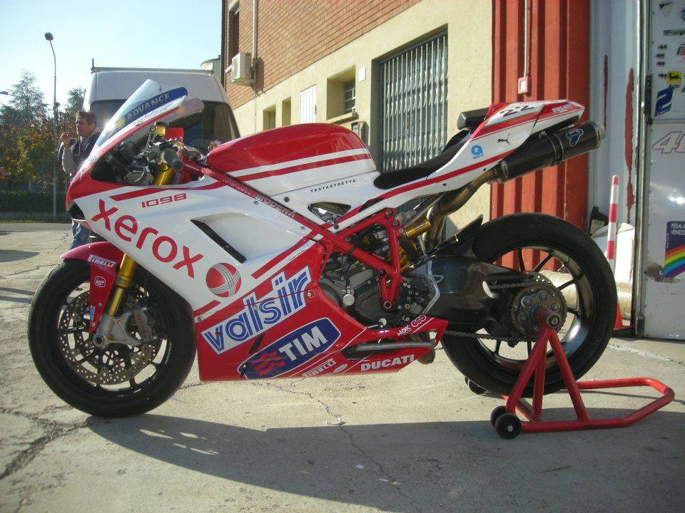 Ducati - 25