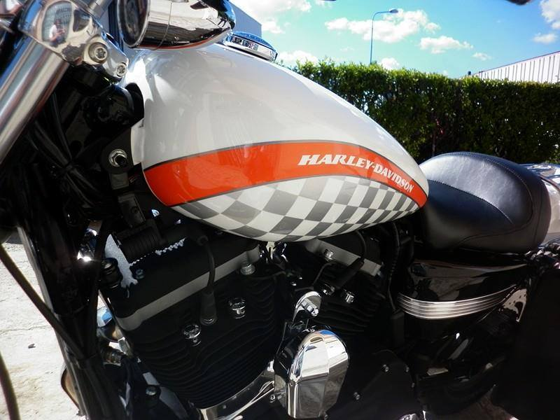 Harley Davidson  - 122