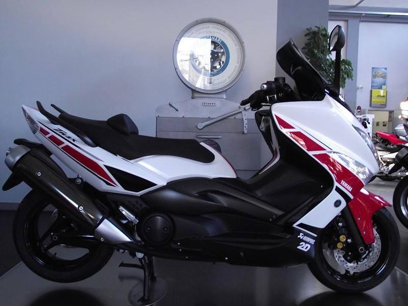Yamaha - 16