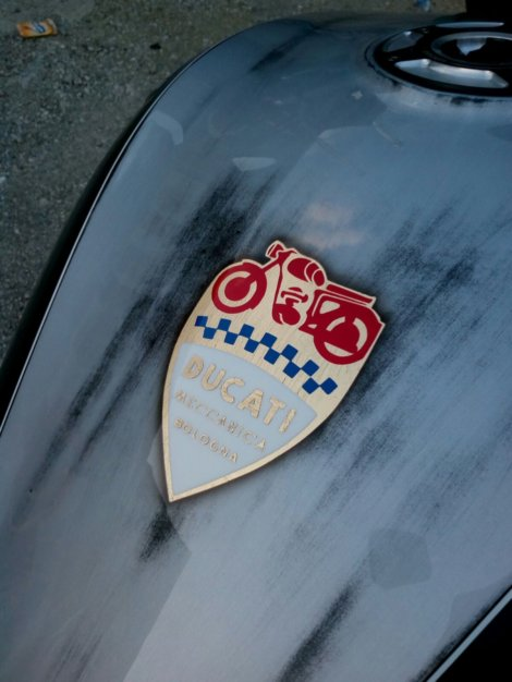 Ducati - 100